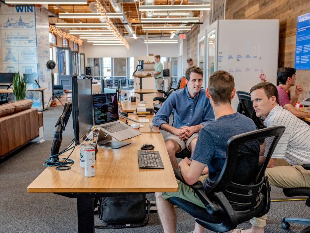 Coworking spaces zijn een perfecte plek om aan netwerking te doen.